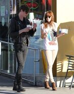 Dakota+Johnson+Stops+Yogurt+Boyfriend+Yr Abj5CApex