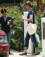 Katherine Heigl leaving her moms house-in-levis-boyfriend-jeans-JT-26