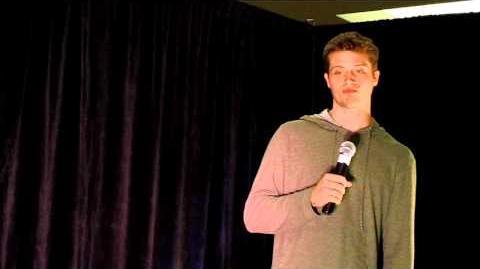 Brock Kelly ( young Dean Winchester) - Supernatural Vancon 2010 (clip 2)