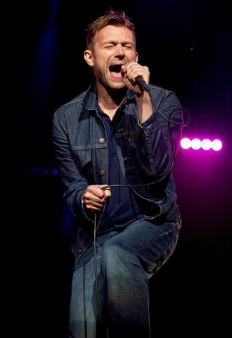 File:Blur-way-out-west-festival-day-2-06.jpg