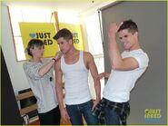 Teen-wolf-max-charlie-carver-jj-spotlight-of-the-week-behind-the-scenes-pics-12