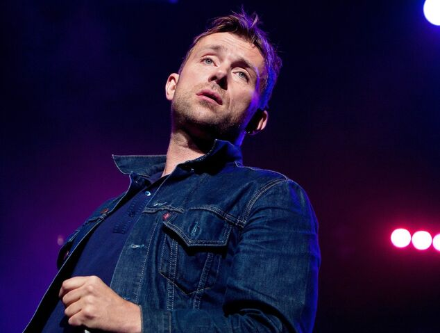File:Blur-way-out-west-festival-day-2-14.jpg