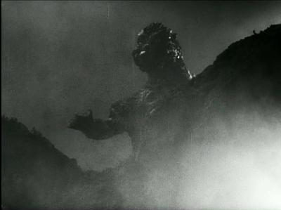800px-Gojira - Godzilla spies Serizawa in Tokyo Bay