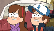 200px-S1e2 dipper and mabel worried (1)
