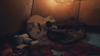 Lis2-Freecam-cassidytent-guitar