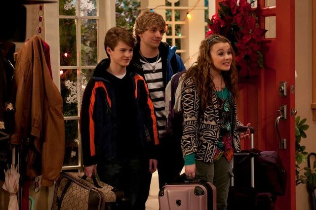 File:Chrisbus with Boys.jpg