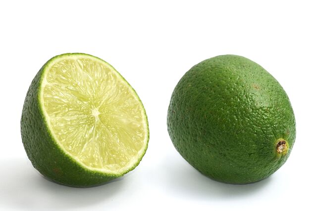 File:Limes whole and halved.jpg