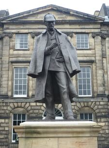 EstatuaSherlockHolmesEdimburgo