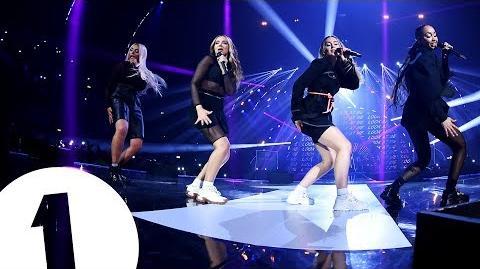 Little Mix - Woman Like Me (Radio 1's Teen Awards 2018) - FLASHING IMAGES
