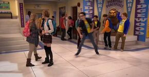 Artie's minions shove Joey to Samantha