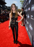 Laura-Marano-Wearing-Theory-Vince-2013-Young-Hollywood-Awards-600x809