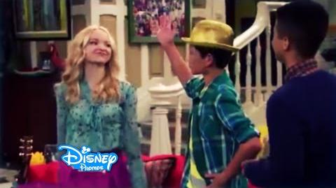 Liv and Maddie - Homerun-A-Rooney - EXCLUSIVE Clip -3