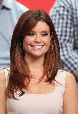 Joanna-Garcia-plays-former-flame-who-family-owns-animal