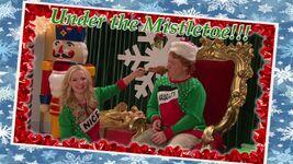 Liv and Artie Christmas Photos Joy To-A-Rooney 7