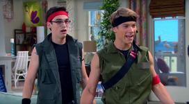 Josh & Joey (4x10)