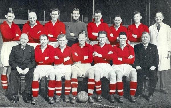 Liverpoolsquad1949 1950 Jpg