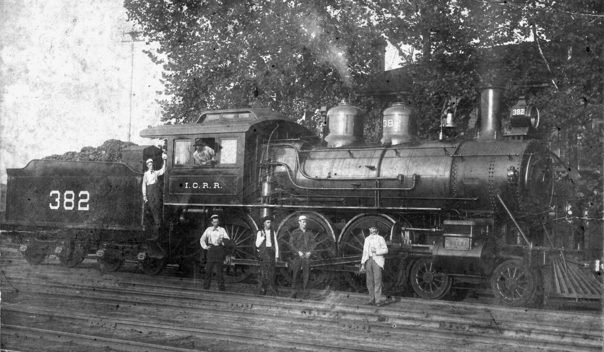 382 was a 4-6-0 Ten-Wheeler-type steam locomotive. It was built by the  Rogers Locomotive Works in 1898 for the Illinois Central and it was a very  powerful ...