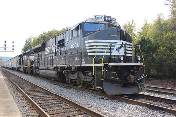 NS 4004 Progress Rail PR43C at Anniston Alabama 2014-03-21 02-27