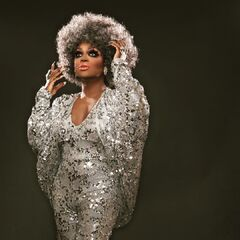 Unaired Silver Foxy Look