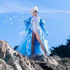 Unaired Frozen Eleganza Look
