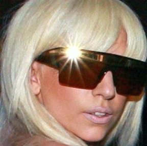 File:SnatchGame Sonique Gaga.jpg