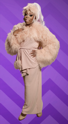 Monique Summer Look