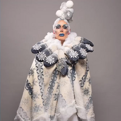 Canuck Couture Fantasy Look - Québec-Froid