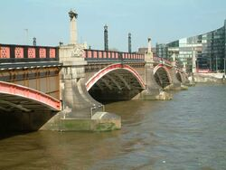 Lambeth Bridge upstream side1
