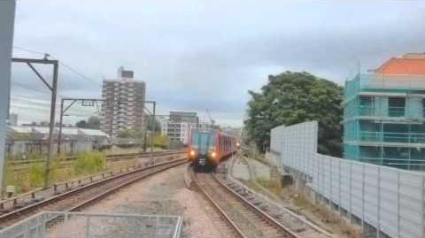 VERY RARE - DLR goes wrong way into Bank