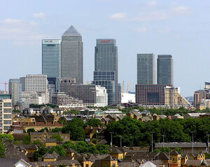 Canary.wharf.from.thames.arp