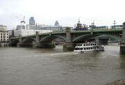 Southwark.bridge.mercedes.arp