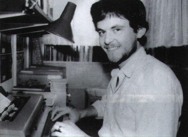 File:Joedever1986.JPG