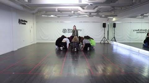"""이달의 소녀 (LOONA) """"색깔(Colors)"""" Dance Practice Video"""