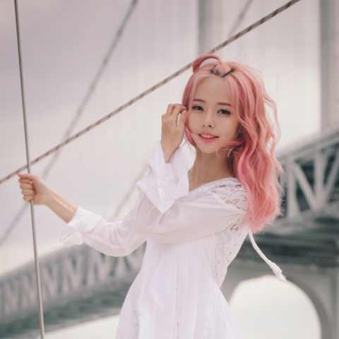 File:ViVi debut photo 4.PNG