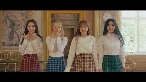 "MV 이달의 소녀 yyxy (LOONA yyxy) ""love4eva (feat. Grimes)"""
