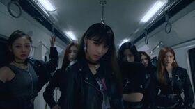"""MV 이달의 소녀 (LOONA) """"So What"""""""