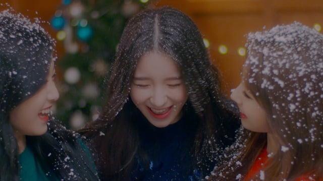 "MV 이달의 소녀 희진, 현진, 하슬 (LOONA HeeJin, HyunJin, HaSeul) ""The Carol"" (4K Vimeo)"