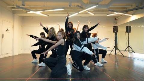 """이달의 소녀 (LOONA) """"So What"""" Dance Practice Video"""