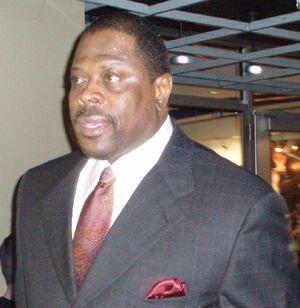 Patrick Ewing Magic cropped