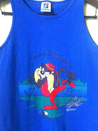 1990s Tasmanian Devil fishing tank top 90s Warner Brothers Looney Tunes tank