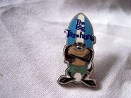 TASMANIAN DEVIL SURFER THE BIG TAZHUNA HAT PIN ,LAPEL PIN TAZ