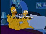 Homero y Marge desnudos en la cama
