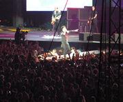 Green Day cantando el tema de Los Simpsons
