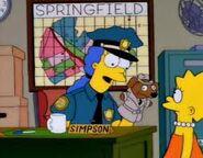 Marge policia y lisa