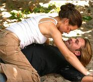 1x05-g5-1-Kate-Sawyer