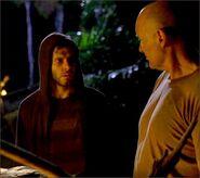 1x07-g10-3-Locke-Charlie