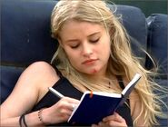 1x02-g7-7-Claire