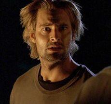1x03-g8-3-Sawyer