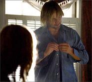 1x08-fb1-4-Sawyer