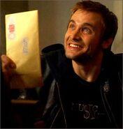 1x07-fb1-2-Liam